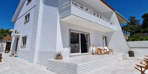 Lisbona Surf House